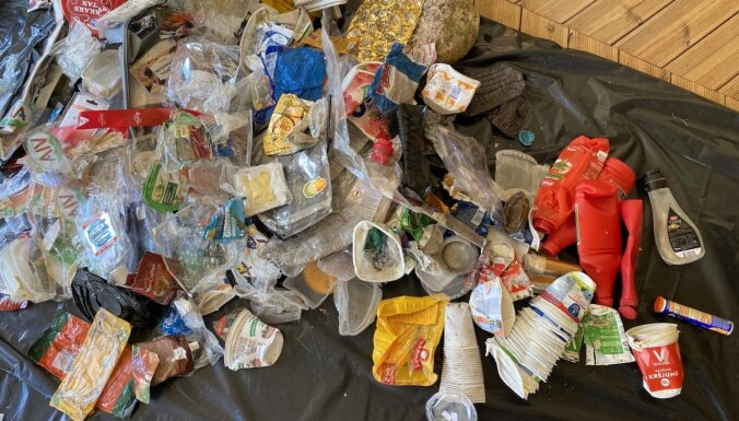 Pētījums: ceturtā daļa atkritumu, kas nonāk iepakojuma konteineros Latvijā, nevar tikt pārstrādāta