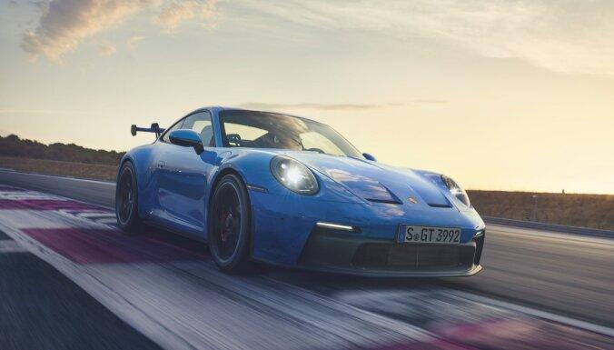 Sacīkšu auto ikdienas braucieniem – 'Porsche' nāk klajā ar jauno '911 GT3'