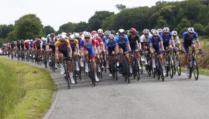 Skujiņš 'Tour de France' iesāk ar 30.vietu un sekmē komandas biedra ielaušanos vadošajā desmitniekā