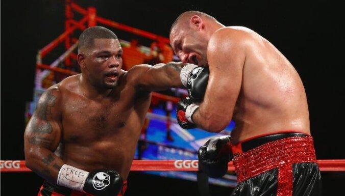 Российский боксер после поражения введен в искусственную кому