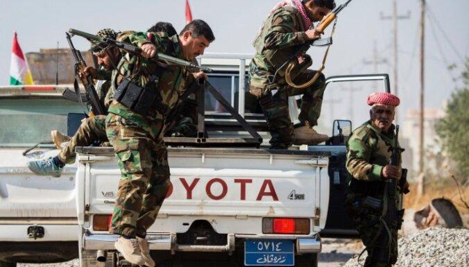 Bažās par kontroles zaudēšanu kurdi nosūta papildspēkus uz Kirkūku