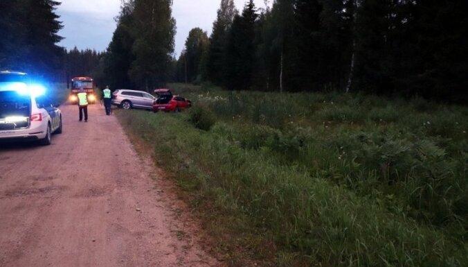 В Эстонии устроили погоню за бандой из Латвии: подозреваемые протаранили полицейское авто