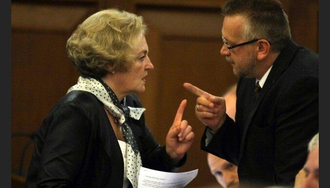 Rugāte rosina samazināt Saeimas prezidiju