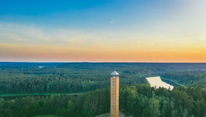 Virs koku galotnēm: skatu torņi un platformas Lietuvā