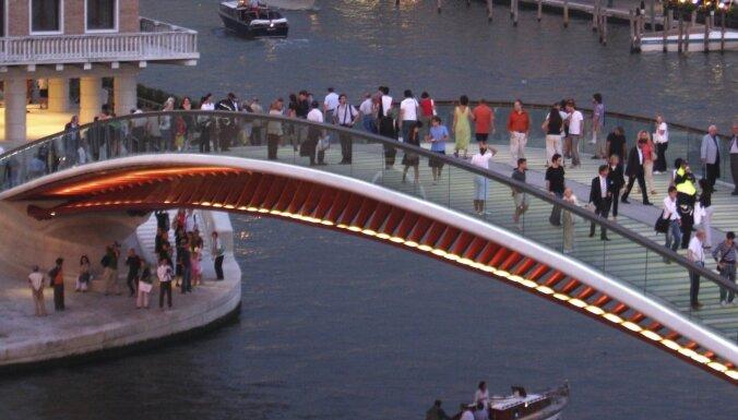 Venēcijas tiesa soda slaveno arhitektu Kalatravu par tilta sadārdzinājumu