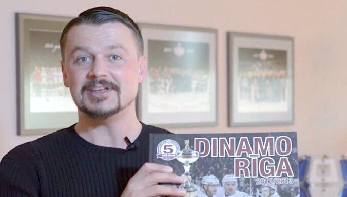 Video: Rīgas 'Dinamo' puiši ar citiem grāmatmīļiem stāsies Grāmatu draugu ķēdē