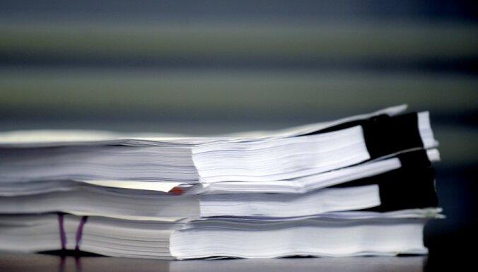 Darbs ar papīra kaudzēm kavē policijas darbu, pauž tiesībsarga amata kandidāte
