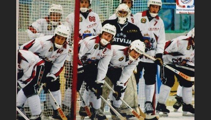 В первом матче ЧМ по хоккею Латвия сыграла боевую ничью с эстонцами
