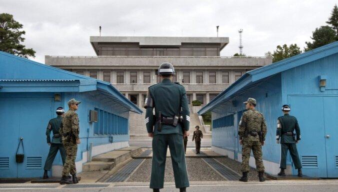 Tramps ierosina ar Kimu tikties demilitarizētajā zonā