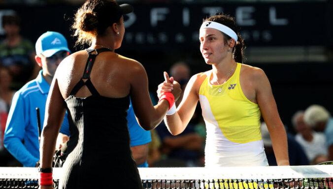 Севастова уступила чемпионке US Open в Брисбене, Гулбис в Пуне проиграл Карловичу