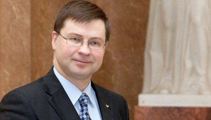 EK prezidenta meklējumi: Dombrovskis atsaucis savu kandidatūru par labu Junkeram