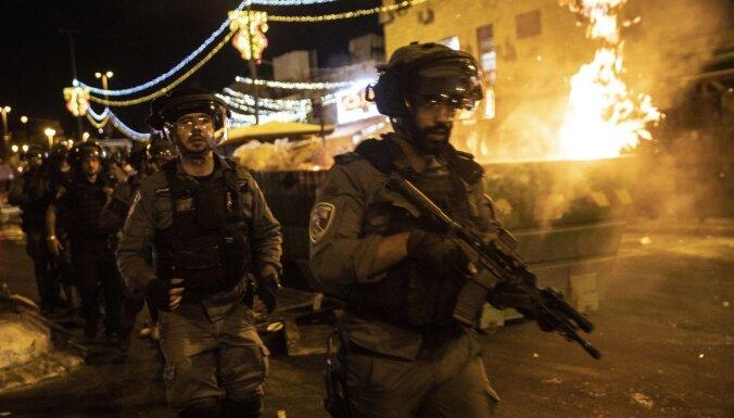 Sadursmēs Jeruzalemē vairāk nekā 120 ievainoto