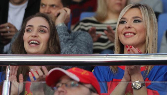 Хоккеист сборной России женился на певице Пелагее