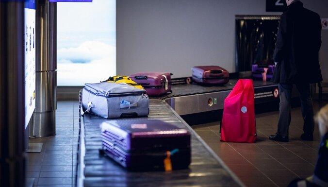 """В аэропорту """"Рига"""" задержали россиянина с четвертью миллиона долларов в багаже"""