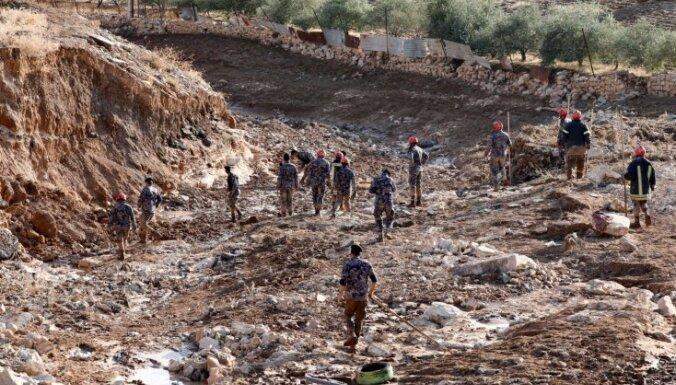 Jordānijā plūdi prasījuši 12 cilvēku dzīvības