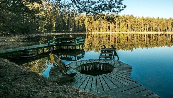 Saistoši tūrisma objekti un atpūtas vietas, kas atrodas ezeru tuvumā