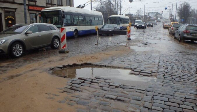 Ceturtdien Rīgā sāks Brīvības ielas remontu