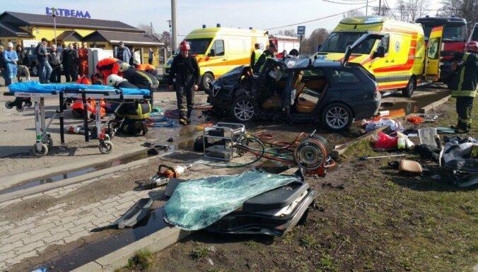 Аварии на дорогах: погиб архитектор, пострадал упавший мотоциклист