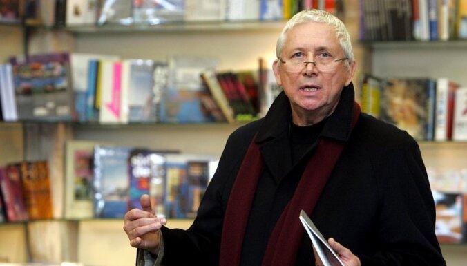 Filozofijas profesors Kūlis un LU izlīgst 'plaģiātisma strīdā'
