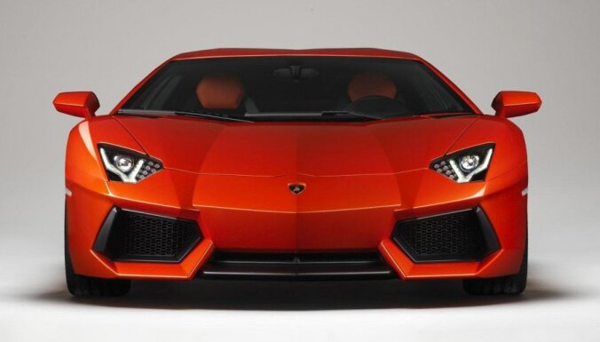'Lamborghini Aventador' spēkratam varēs atslēgt pusi cilindru