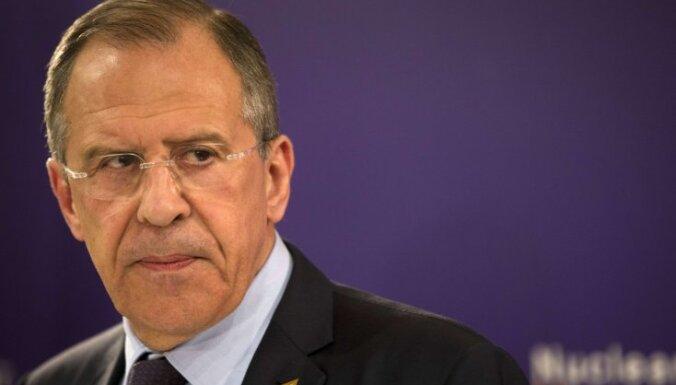 Лавров: восточноевропейские страны настраивают НАТО против России