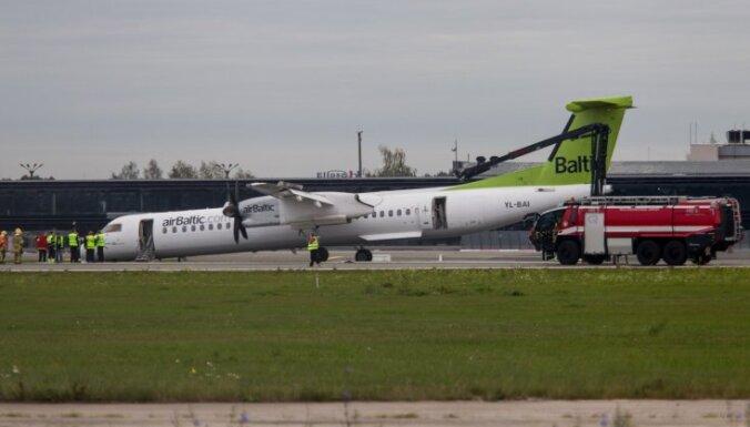 """ЧП с рейсом BT641 """"Рига-Цюрих"""": самолет сажали практически без переднего шасси (+ФОТО и ВИДЕО из аэропорта)"""