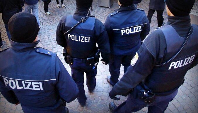Германия: полиция нашла по фотороботу латвийца, подозреваемого в изнасиловании