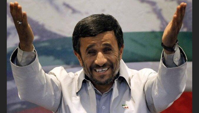 Ахмадинежад провел свой ядерный саммит