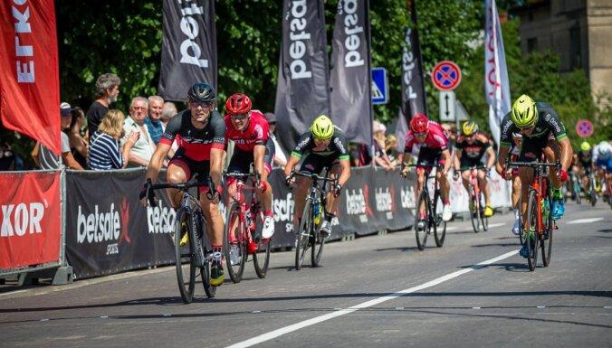 Nākamnedēļ Rīgā un Dobelē vairākās grupās notiks LČ šosejas riteņbraukšanā