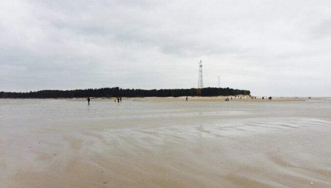 Krievijas kuģus pie Kolkas raga novēro Latvijas Jūras spēku patruļkuģis
