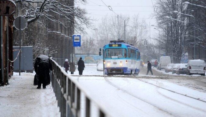 До 6000 водителей пересели на общественный транспорт