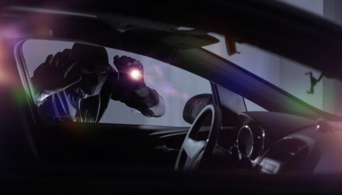 Sestdien Rīgā nozagtas divas automašīnas