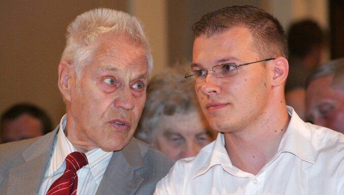 """Rîgas Latvieðu biedrîbas namâ Lielajâ zâlç notiks Nacionâlâs apvienîbas """"Visu Latvijai !"""" - """"Tçvzemei un Brîvîbai/LNNK"""" dibinâðanas kongress."""