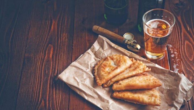 Čebureki no alus mīklas