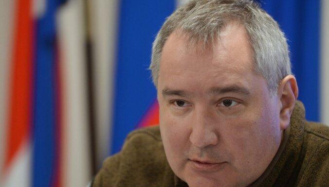 Рогозин грозит санкциями румынам, не пустившим его самолет
