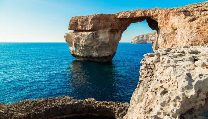Sabrucis un nebūtībā zudis slavenais Azūra logs Maltā