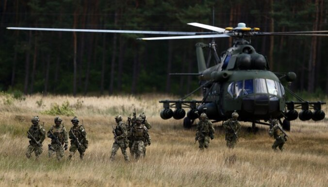 NATO vienojas par militārās klātbūtnes pastiprināšanu Austrumeiropā