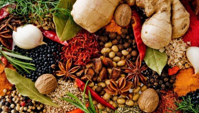 Septiņi dabīgi veidi, kā piešķirt mājoklim svētku aromātu