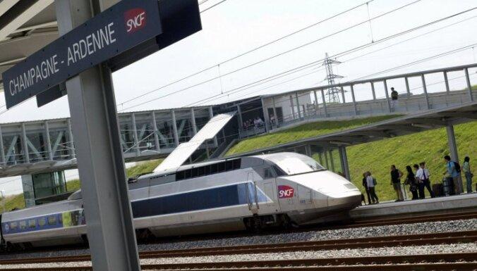 Репетировавшего в поезде французского актера приняли за террориста