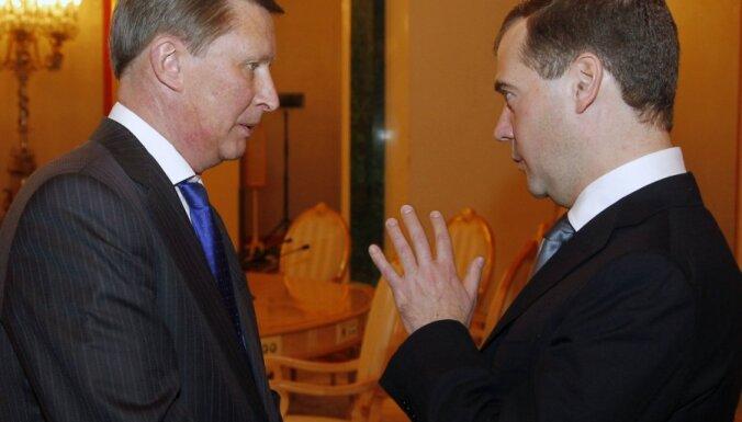 Krievijas prezidenta administrāciju vadīs Sergejs Ivanovs; amatā varētu palikt arī Putina ievēlēšanas gadījumā