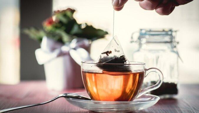 Noderīgas idejas, kur mājsaimniecībā izmantot tējas maisiņus un kafijas biezumus