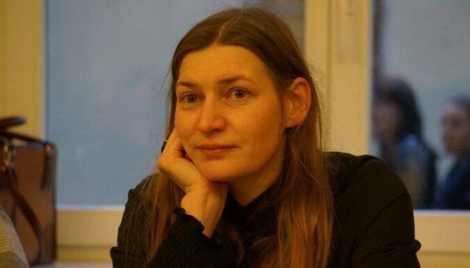 'Nepieciešams ticēt sev un savām valodas iespējām'. Saruna ar lietuviešu dzejnieci Giedri Kazlauskaiti