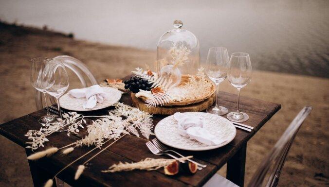 Kāzu galds – ar garnelēm vai štovētiem kāpostiem?