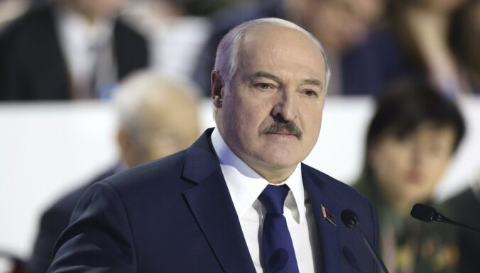 Лукашенко: в Беларуси нет политзаключенных