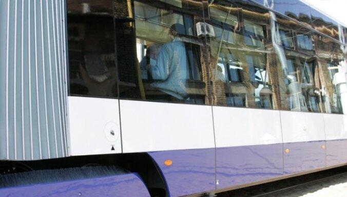 Rīgas satiksme получило 18 низкопольных трамваев