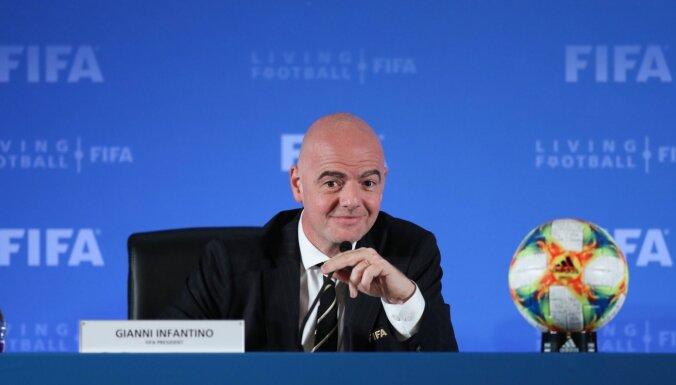 UEFA iebilst Pasaules kausa rīkošanai ik pēc diviem gadiem