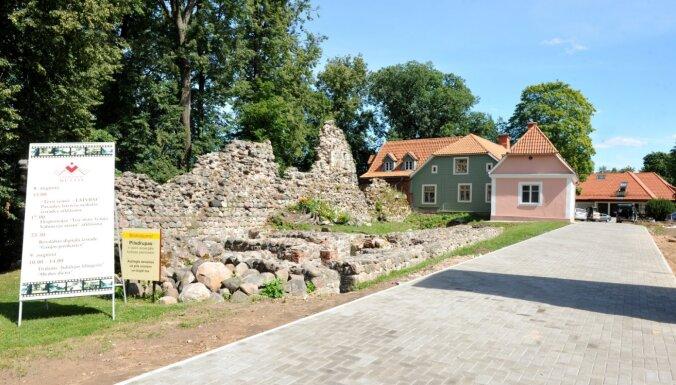 Aicina piedalīties Valmieras novada apceļošanas akcijā 'Savējo stāsti'