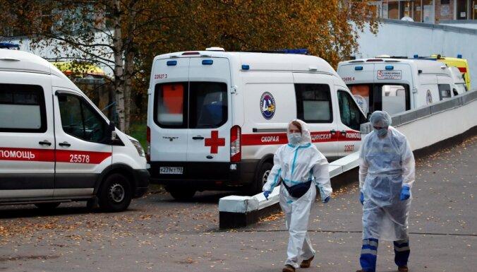 Krievijā patiesais Covid-19 upuru skaits pārsniedzis 186 000