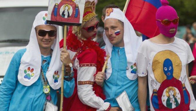 Деятели культуры России просят суд освободить Pussy Riot