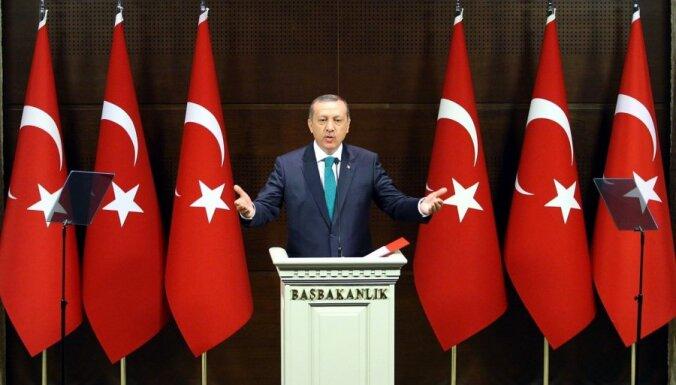 Турция: послабления курдам и возвращение хиджабов